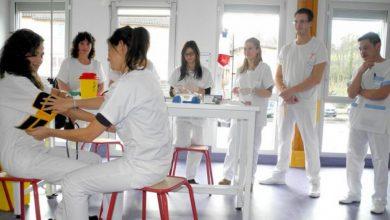 صورة الطارف/ ممرضوالصحة العمومية سنة اولى يطالبون بتحديد موعد مزاولة الدراسة كباقي الولايات