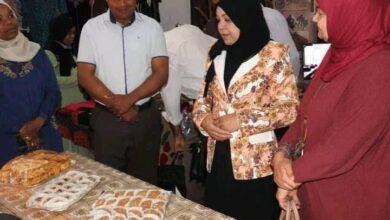 Photo of ورقلة / المديرة الجهوية للقرض المصغر بورقلة بهجة عمامري  تفتتح المعرض التضامني