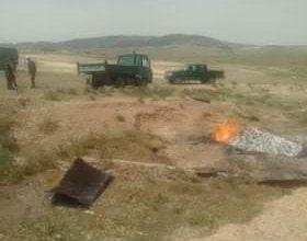 صورة ام البواقي/ اعوان محافظة الغابات يقومون بتدمير مفحمة غير شرعية بمشتة بئر لعور بمدينة ام البواقي.