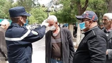 صورة ام البواقي/ الوحدة الثانوية للحماية المدنية بعين البيضاء تقوم بخرجة ميدانية للتحسيس والوقاية من انتشار فيروس كورونا.