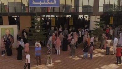 صورة باتنة/ إقبال كبير للطلبة والأساتذة والموظفين للتلقيح ضد فيروس كورونا بكلية الطب بجامعة باتنة 2