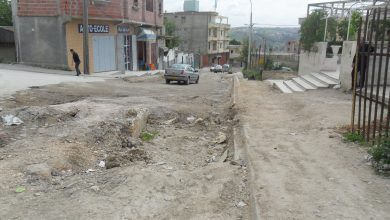 صورة قسنطينة / سكان حي الياسمين يطالبون بتهيئة الطريق