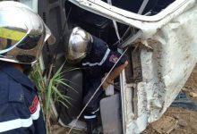 صورة عين تيموشنت/إصابة 10 أشخاص في حادثي مرور متفرقين  لحافلة نقل العمال و سيارة سياحية