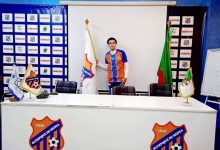 صورة سطيف/عصام حمنة لاعب وسط وفاق سطيف يمضي عقدا مع اولمبي المدية